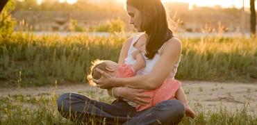 Dragă viitoare mamă care dorești să îți alăptezi puiul