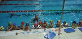 Rolul înotului în dezvoltarea copilului