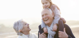 """Rolul bunicilor nu este să crească nepoții, ci să îi """"răsfețe"""""""
