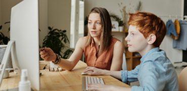 Părinții vor ca instrumentele digitale să fie implementate în procesul educațional și după întoarcerea copiilor la școală